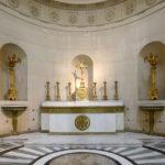 Chapelle expiatoire autel