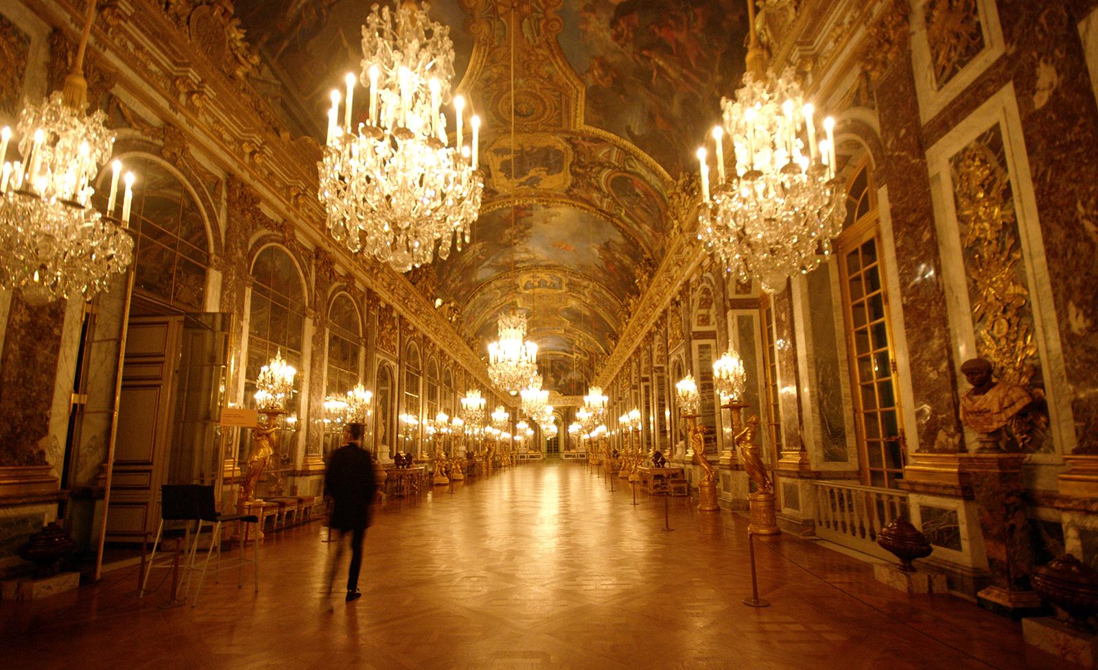 Versailles intime a la d couverte des salles louis xiv for Architecte de versailles sous louis xiv