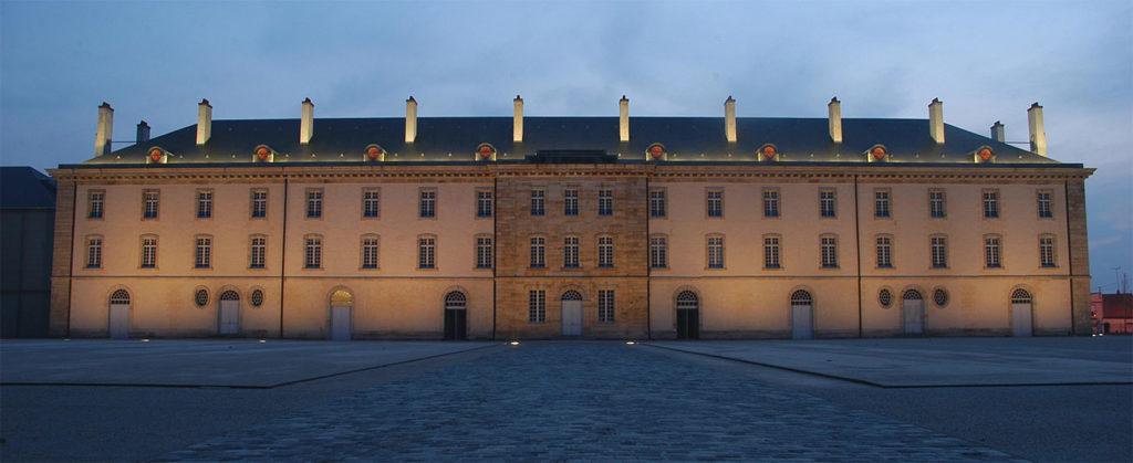 centre national du costume de scène de Moulins