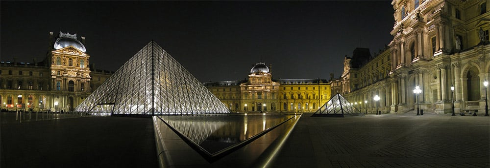 opening hours of museums in Paris by night