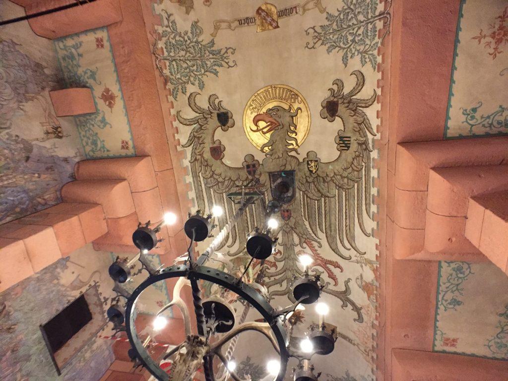Aigle impérial dans la salle du Kaiser
