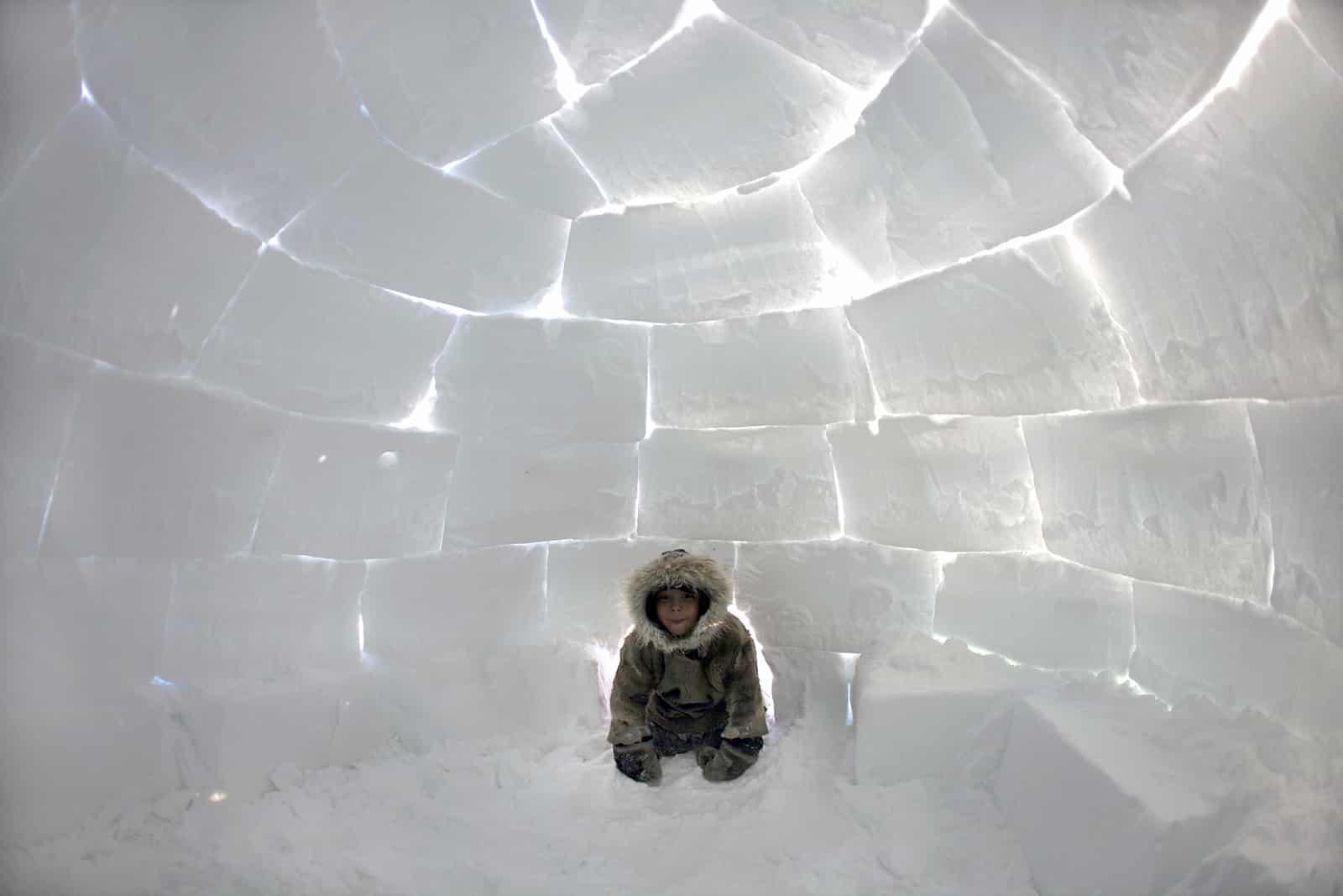 Campement d'Inuits au pôle Nord © Ton Koene