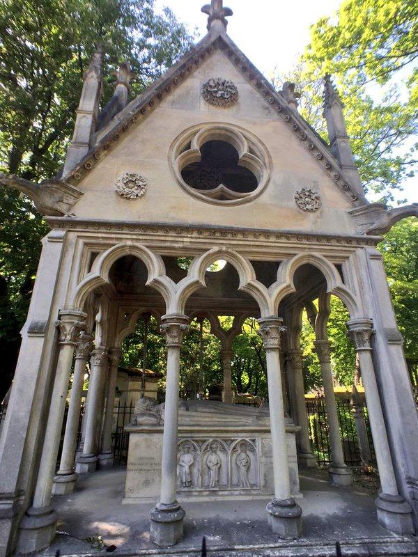 Le tombeau d'Héloïse et Abélard