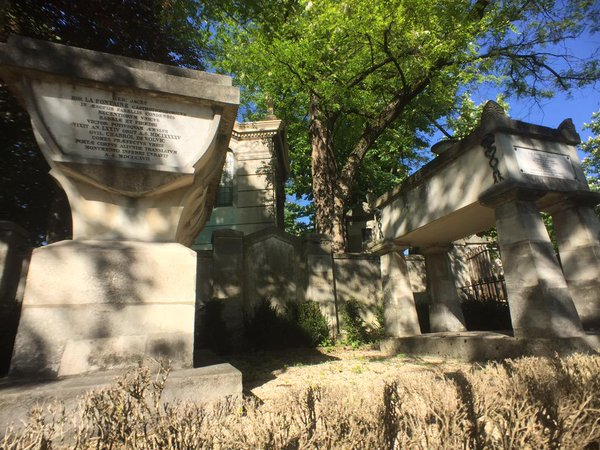 Tombes de Molière et de La Fontaine au cimetière du Père Lachaise