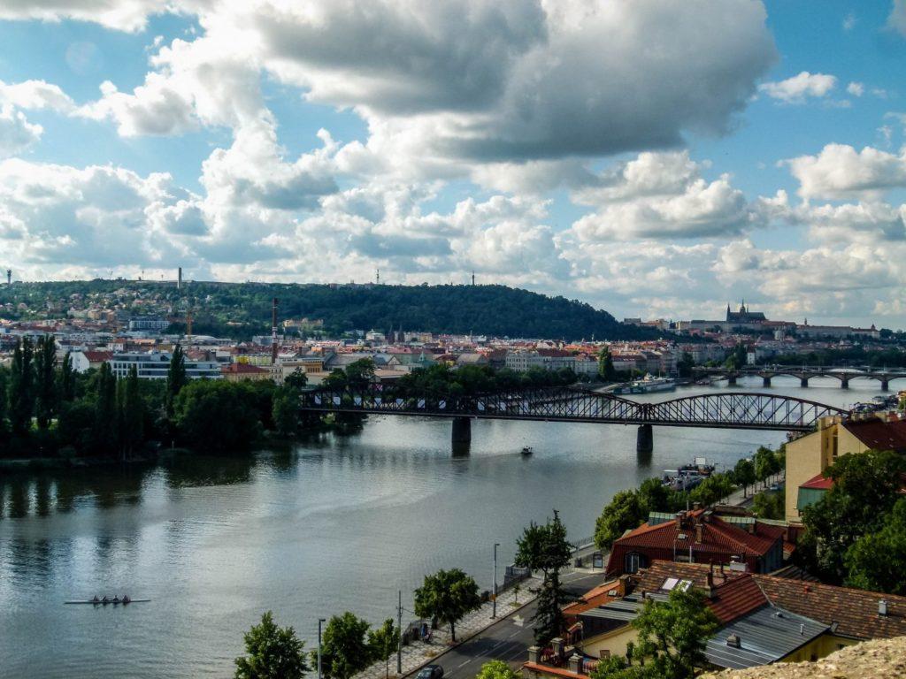 vue sur Prague depuis la citadelle de Vyšehrad