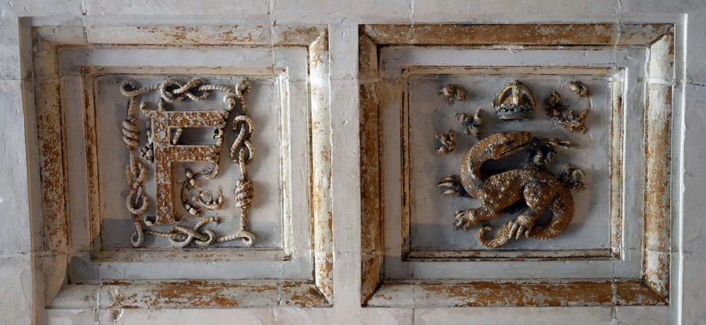 Francis I's monogram and the Salamander in the Chambord Castle