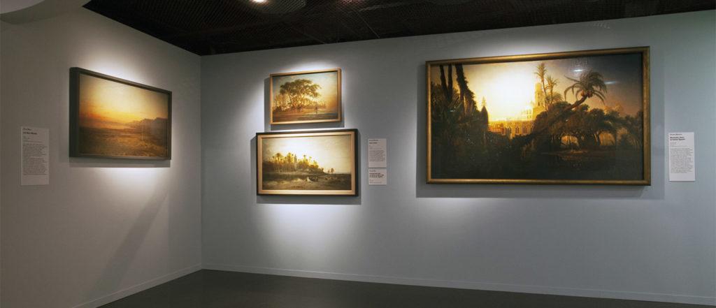 """Vue de l'exposition """"Peintures des lointains"""" © musée du quai Branly - Jacques Chirac, photo Gautier Deblonde"""