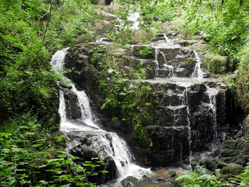 La petite cascade de Mortrain
