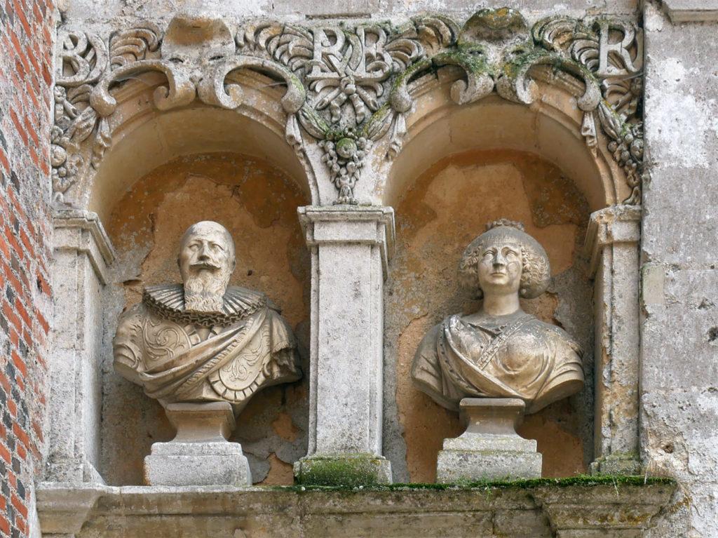 Buste du Duc de Sully et de sa femme