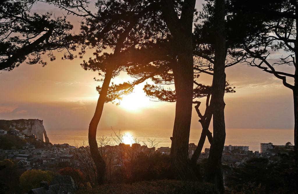 Coucher de soleil sur les falaises d'Etretat