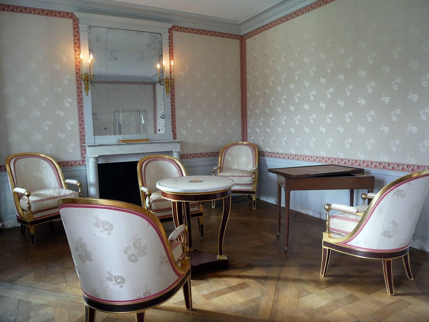 Le Hameau de la Reine à Versailles : l'incroyable fantaisie de  Marie-Antoinette - Culturez-vous