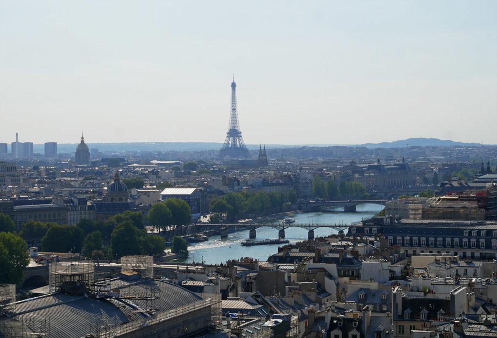 Vue sur Paris depuis la Tour Saint-Jacques