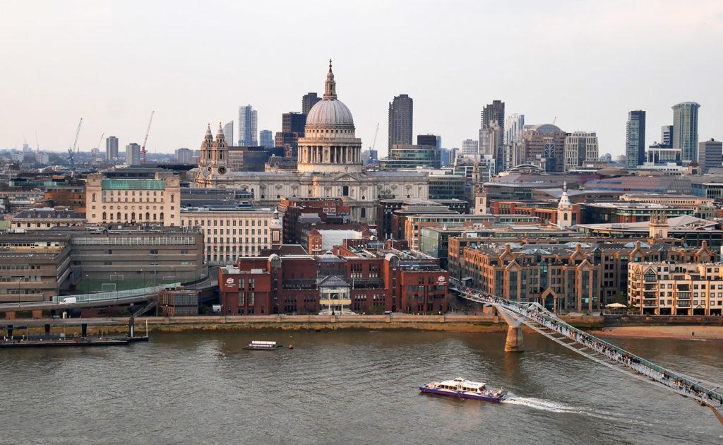 Vue sur Londres depuis la terrasse du Tate Modern