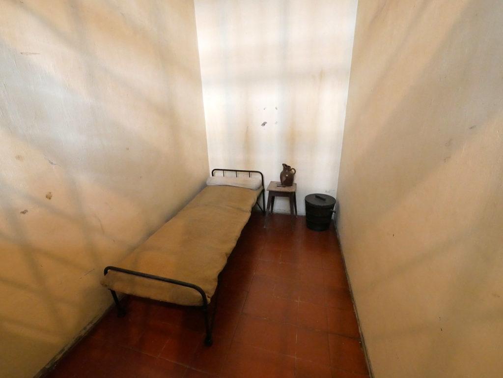 Cellules de la prison au château de Cadillac