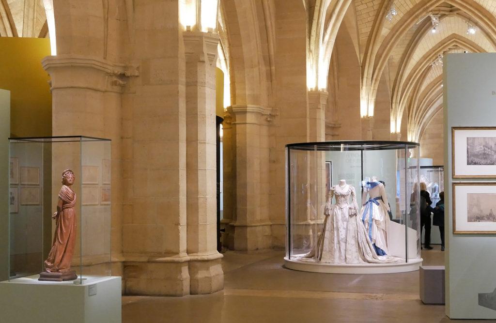 Vue d'ensemble de l'exposition Marie-Antoinette