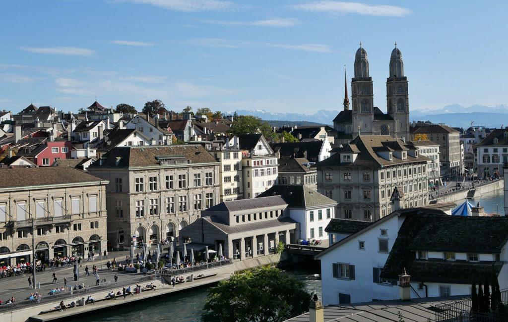 Vue sur Zurich depuis le Lindenhof