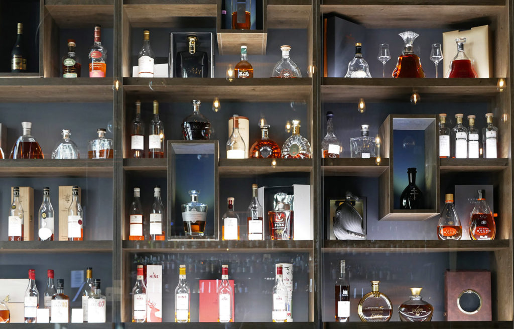 Enjoy a cocktail in Cognac